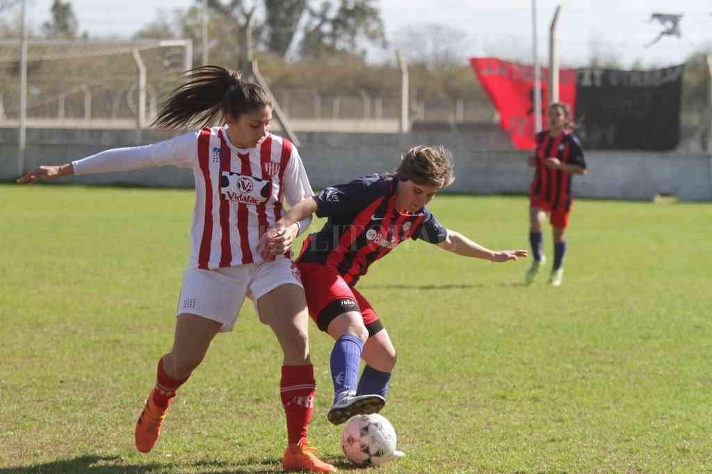Aumenta la expectativa por el regreso también de las mujeres al fútbol liguista. Crédito: Luis Cetraro