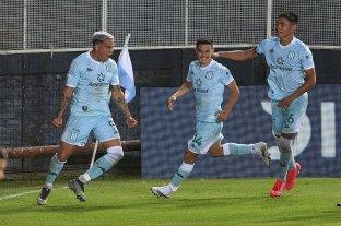 Racing consiguió la primera victoria en el torneo ante Rosario Central