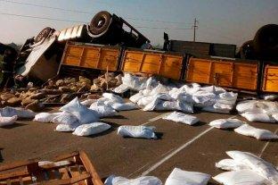 Fatal vuelco de un camión en   Santa Clara de Buena Vista