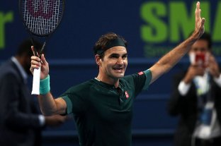 Tras 13 meses, Roger Federer volvió y debutó con un triunfo en Doha