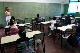 El gobierno ratifica la oferta a docentes y confía en que las clases empezarán igual