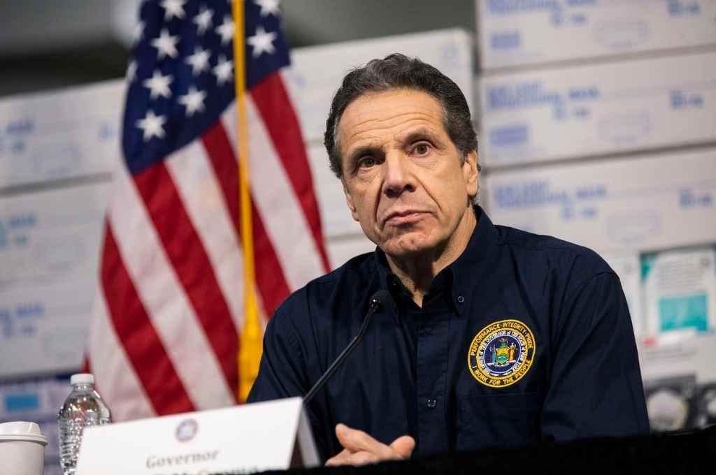 Piden la renuncia del gobernador de Nueva York