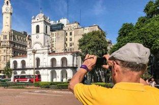 Buenos Aires tienta con historia y gastronomía