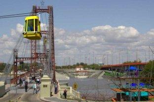 Un arquitecto local propone un anfiteatro y una aerosilla para el Puente Colgante