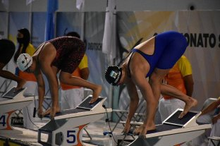 Julia Sebastián ganó la medalla de oro en los 200 metros pecho