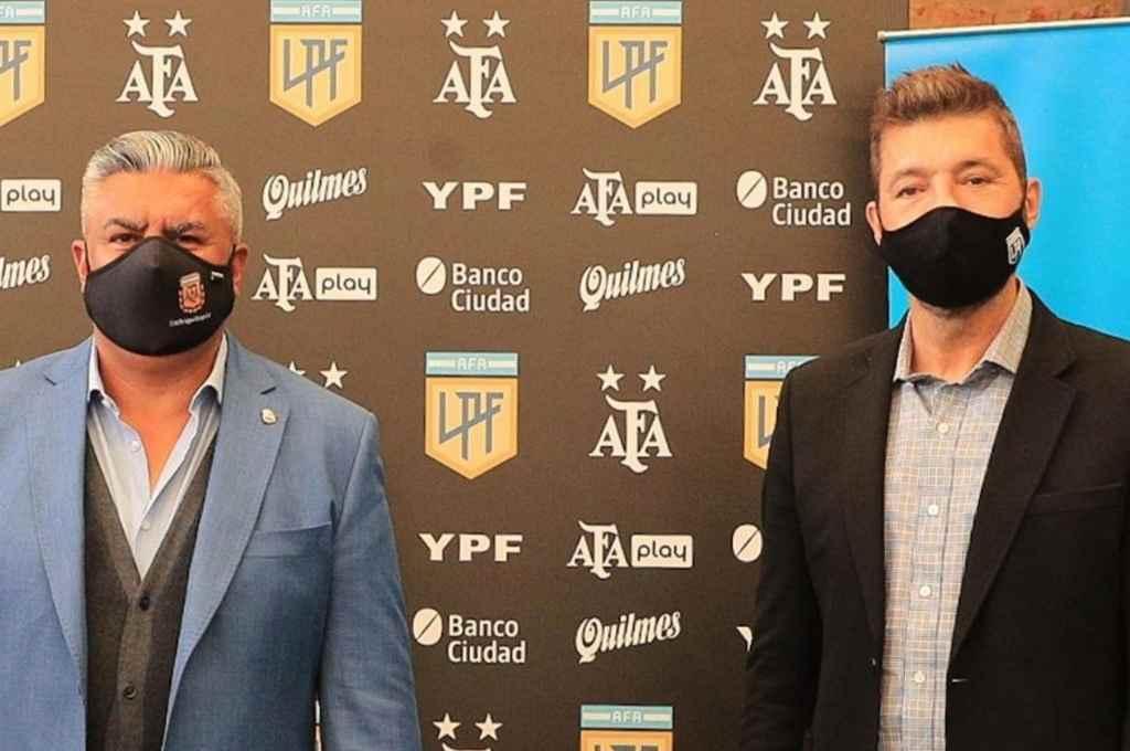 Tapia y Tinelli. Los que se reunieron en el predio de AFA para hablar de torneos y no del regreso del público.    Crédito: Gentileza