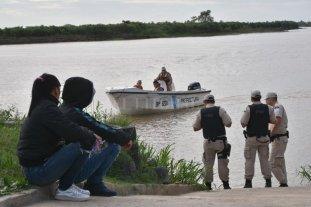 Desesperada búsqueda de un policía que cayó a las aguas del río Coronda