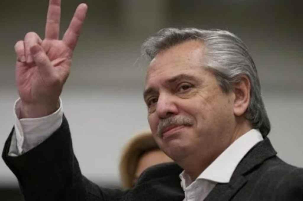 Tal como ocurriera con Menem, Fernández conducirá el peronismo a nivel nacional.    Crédito: Gentileza