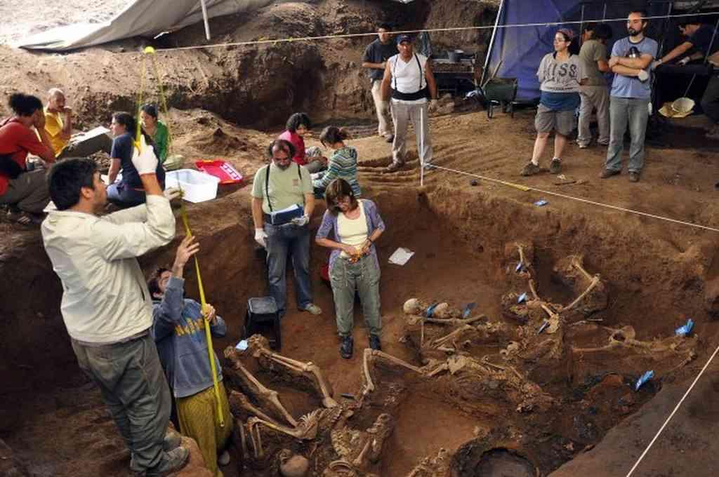 Equipo argentino de Antropología Forense. Crédito: Agencias