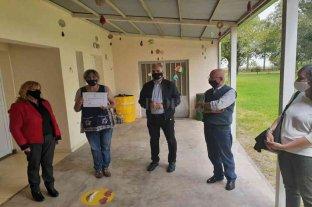 Calvo participó en la entrega de aportes para la construcción de establecimientos educativos en la región