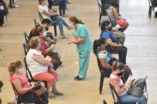 """Prioridades y """"vacunas militantes"""": tintes políticos en la agenda Covid del Concejo"""