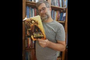 """""""Tres golpes en la ventana"""": un libro para cicatrizar las heridas de los 70"""