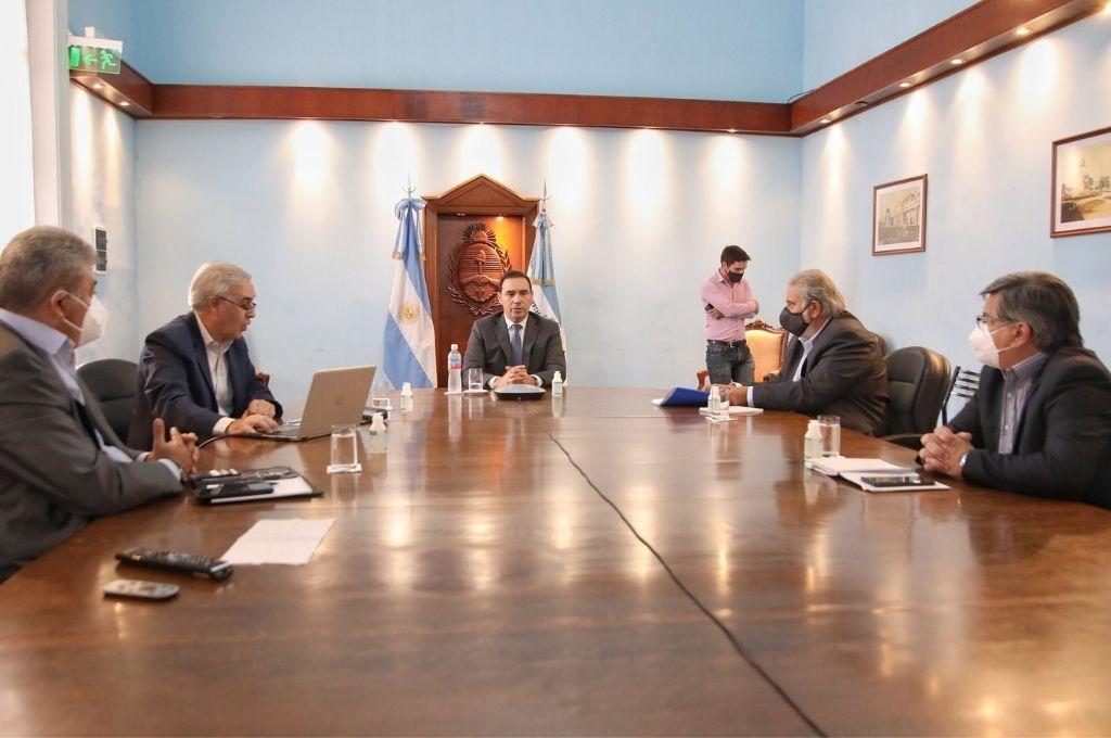 Las máximas autoridades provinciales en la reunión que definió la aprobación. Crédito: Prensa Gobierno de Corrientes