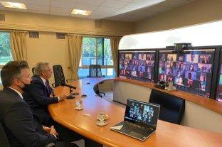 Tras cancelar su viaje a Corrientes, el Presidente volvió a dictar clases en la UBA