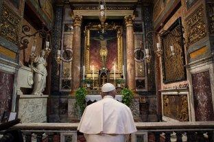 """El papa rezó por los que luchan por los derechos humanos en dictaduras y """"democracias en crisis"""""""