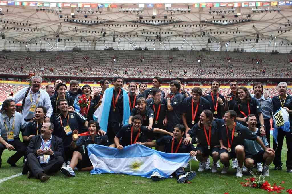 El recuerdo del oro olímpico en Beijing 2008, con un equipo lleno de figuras, como Messi, Riquelme, Masherano, Di María y Agüero. Crédito: Archivo