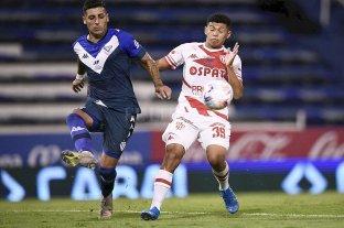 Unión perdió el invicto ante Vélez, que se afianza en la punta
