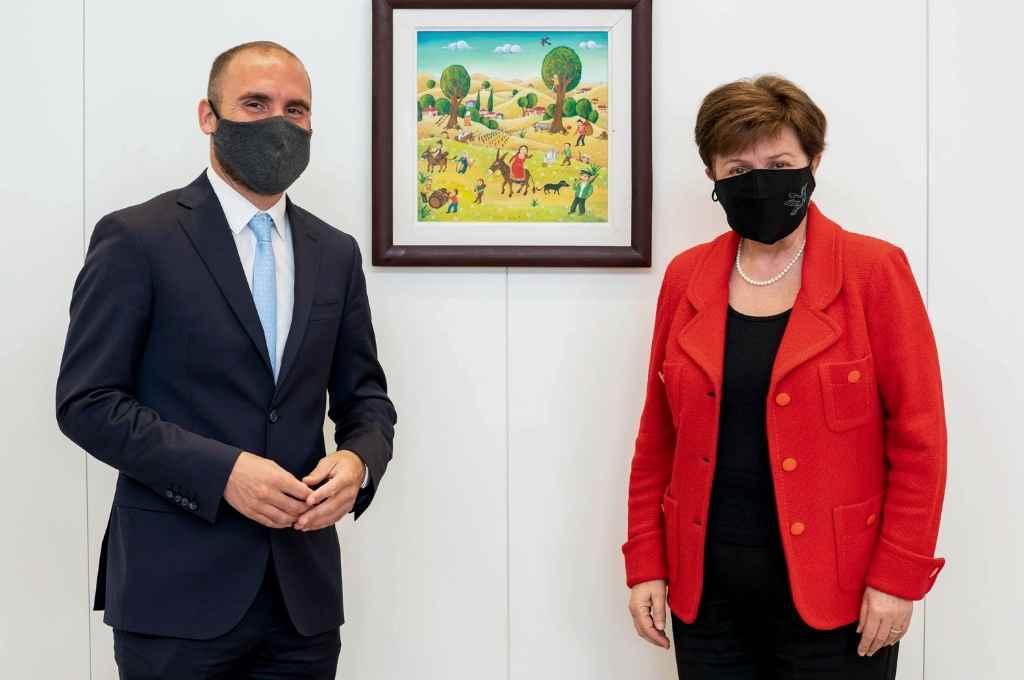 Martín Guzmán y Kristalina Georgieva, protagonistas de uno de los frentes que debe enfrentar la economía argentina.    Crédito: Archivo El Litoral