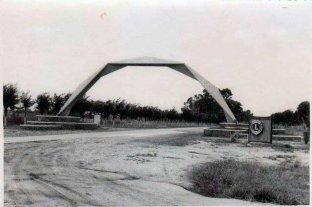 La historia del arco de ingreso, un ícono sancarlino que tiene más de medio siglo