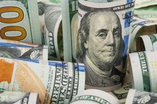 """El dólar """"ahorro"""" supera los $ 162 y el """"blue"""" se vende a $ 143"""