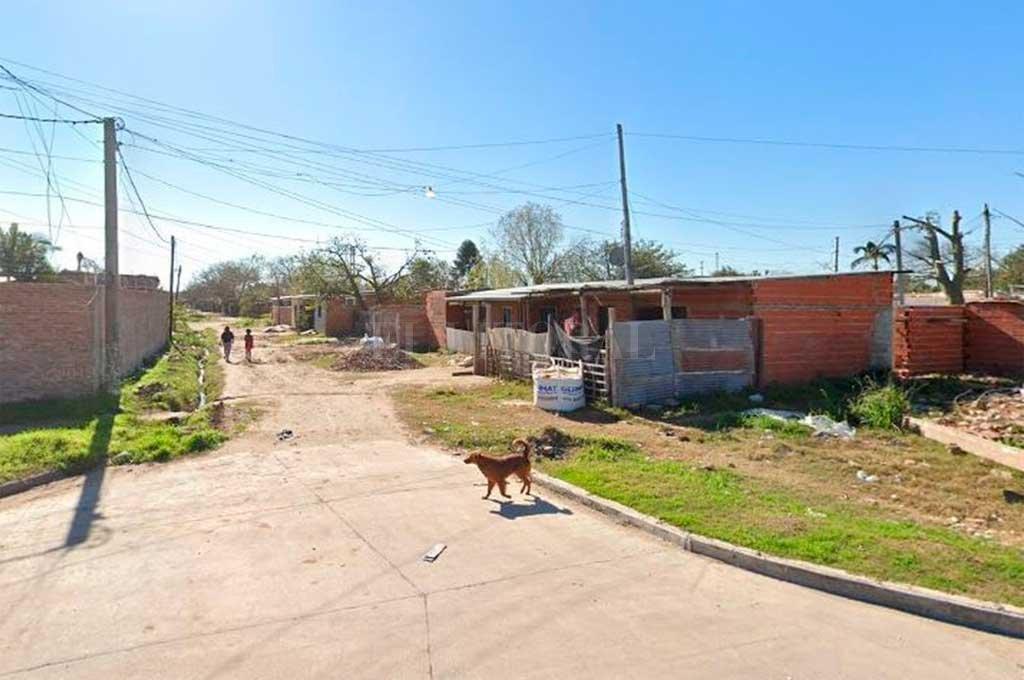 Pasaje Santa Fe al 6000. El lugar donde se produjo el violento suceso. A raiz de lo ocurrido una mujer embarazada (hermana del agredido) se descompensó y debió ser asistida por personal de emergencias. Crédito: Captura de Pantalla - Google Street View