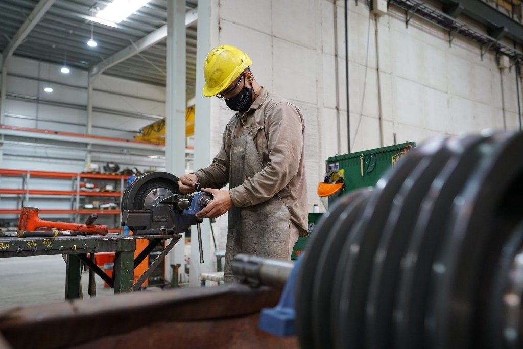 La producción industrial creció un 32,8% en marzo