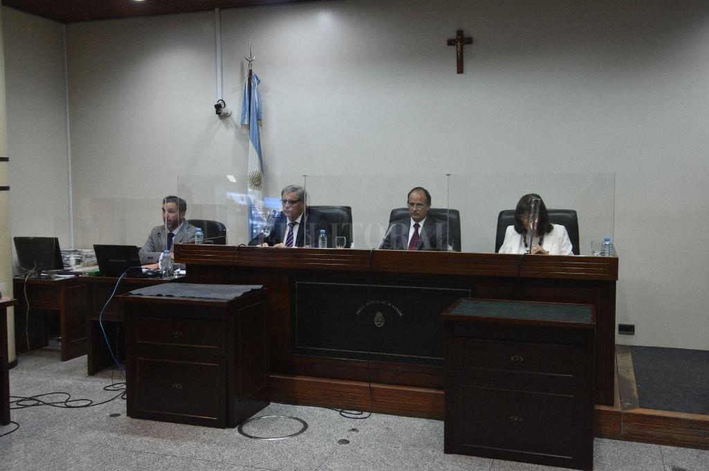 La sentencia lleva la firma de los jueces Luciano Lauría -presidente-, María Ivón Vella y José María Escobar Cello. Crédito: Guillermo Di Salvatore
