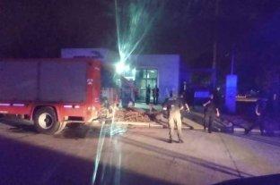 Fuego e incidentes en dos subcomisarías de la ciudad de Santa Fe