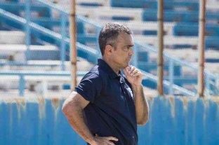 Rolando Carlen sigue adelante como DT de Cerro de Uruguay