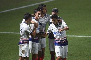 San Lorenzo le ganó a Platense y quedó como único escolta de Colón