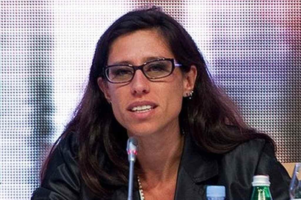 Español dictó la resolución 330, que obliga a las empresas a fabricar, distribuir y comercializar