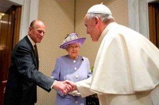 El Papa le envió un mensaje de pésame a la reina Isabel II por la muerte de Felipe de Edimburgo