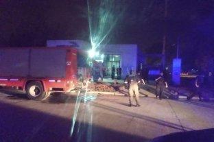 Fuego e incidentes en dos subcomisarías de la ciudad