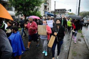 Una multitud marchó por barrio Fisherton para pedir la libertad del joven que mató a dos ladrones