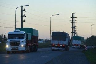 El costo del transporte de cargas subió 3,9% en marzo y acumula 15% en tres meses
