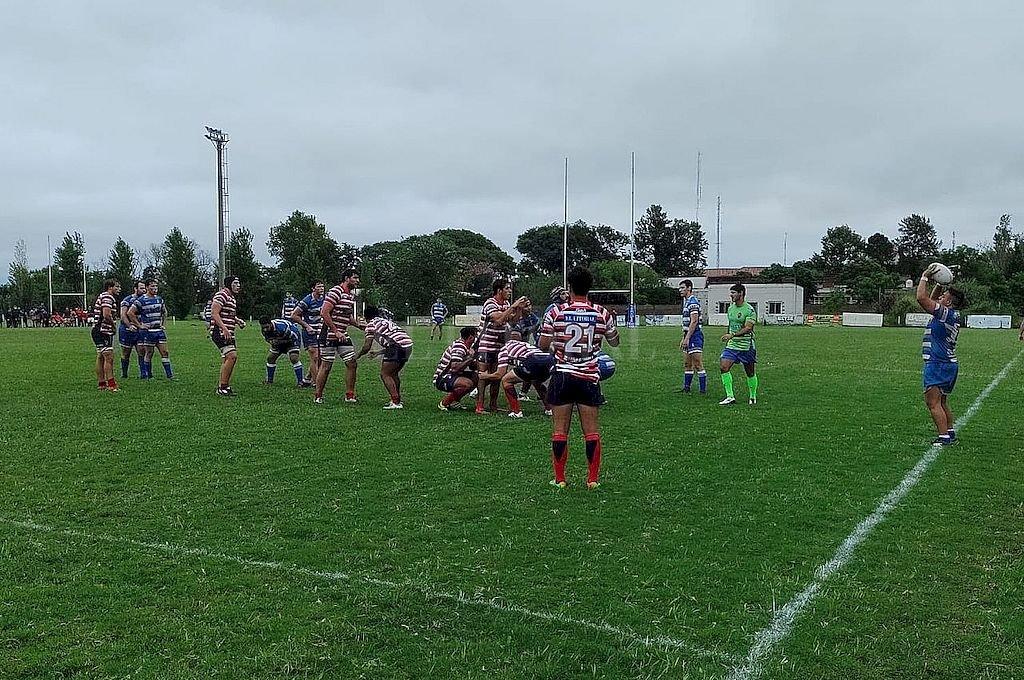En una cancha que lució muy bien, Querandí y Santa Fe Rugby protagonizaron un interesante partido. Crédito: El Litoral