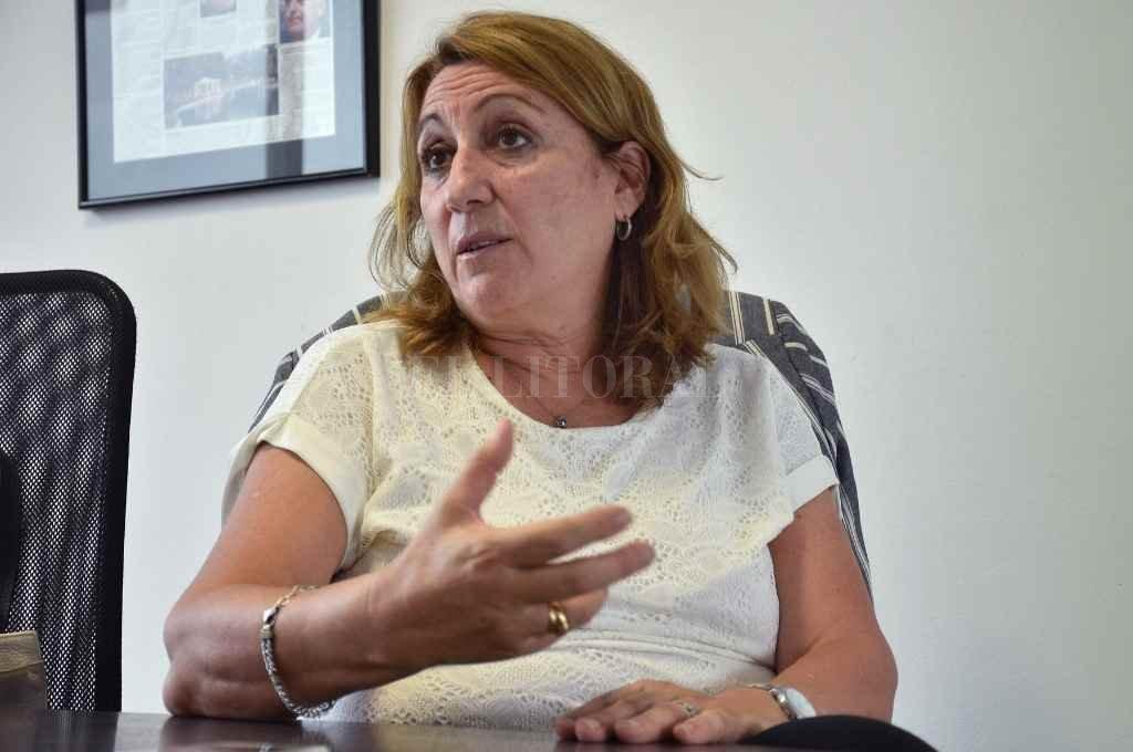 Fein fue dos veces intendenta de Rosario, diputada nacional y aspira a ser la primera presidenta del Partido Socialista en los 125 años de historia.    Crédito: Pablo Aguirre