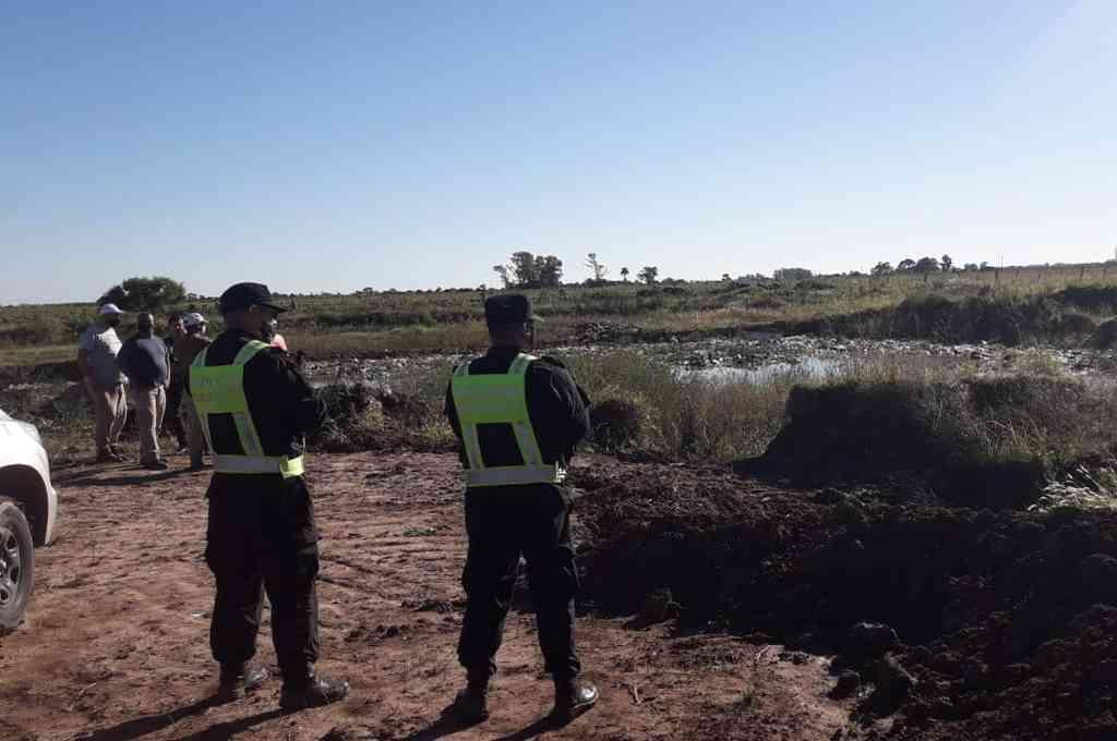 El sector de la cava donde fueron encontrados los cuerpos tiene 3 metros de profundidad. Crédito: El Litoral