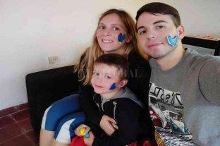 Autismo: una familia de Melincué refleja su experiencia en las redes