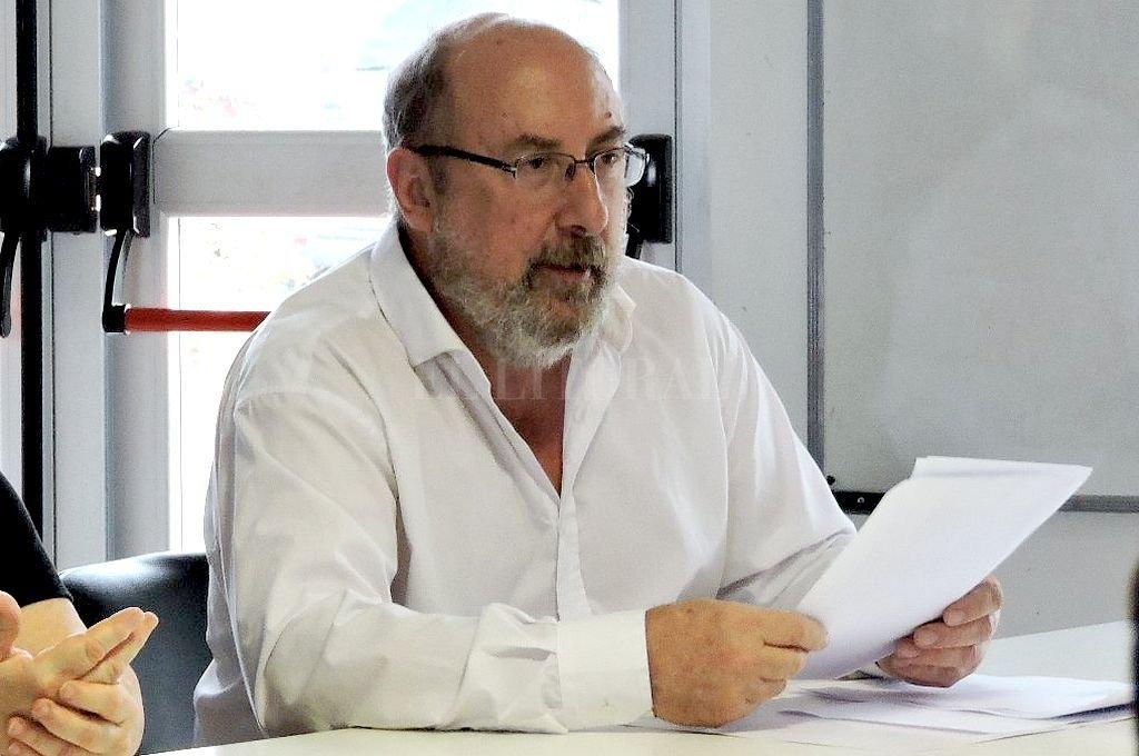 Covid: en un mes proyectan 16% más de contagios para el departamento La Capital - El Dr. Hugo Aimar es investigador superior del Conicet, dentro del Instituto de Matemática Aplicada (IMAL). -