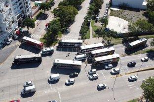 No hubo acuerdo en la audiencia en Nación y sigue el bloqueo a la terminal de colectivos