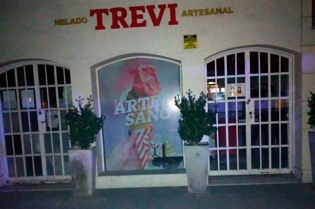 La sucursal de la heladería Trevi, en bulevar y 4 de Enero, donde se produjo el siniestro. Crédito: El Litoral
