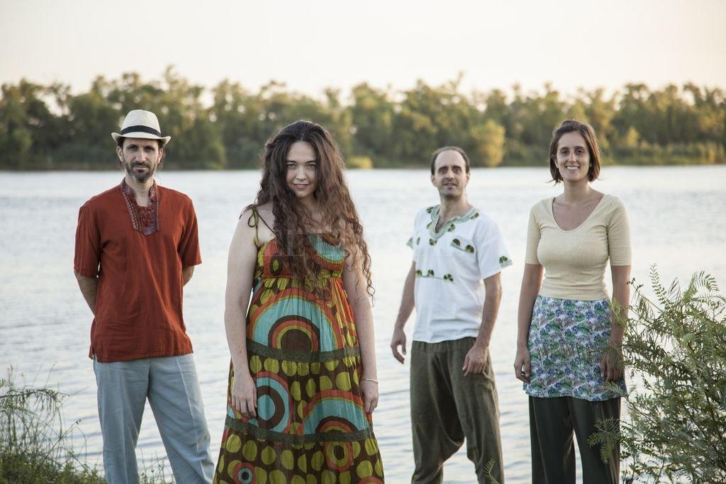 El grupo santafesino Barro desembarca en este Litoral Sideral con nuevas canciones y músicas de su primer disco. Crédito: Gentileza producción