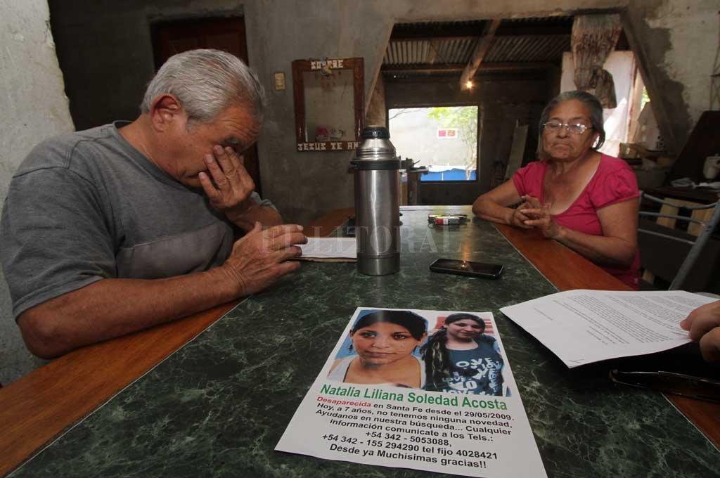 Sus padres, María Cristina Balán (fallecida en septiembre de 2019) y Ariel Acosta, fueron los principales motores de la infructuosa búsqueda. Crédito: Archivo El Litoral / Mauricio Garín