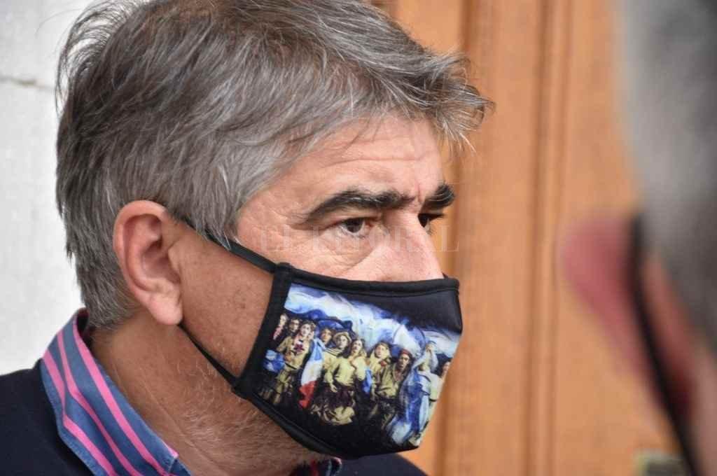 Fabián Bastia y las dudas sobre cuentas de la EPE    Crédito: Manuel Fabatía