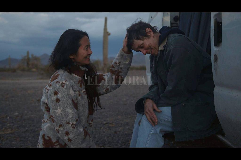 """""""Nomadland"""" de Chloé Zhao está nominada a varios premios Oscar y cuenta con el protagonismo de Frances McDormand. Crédito: Searchlight Pictures, Walt Disney Pictures"""