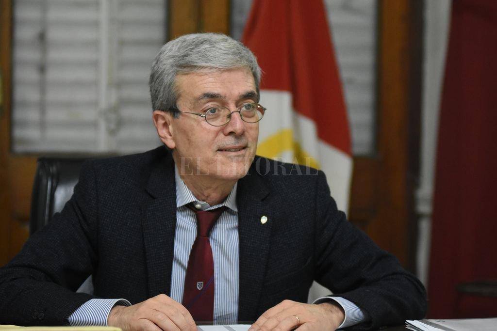 Perotti difiere impuestos y dispone más fondos para Salud, Desarrollo  Social, Municipios y Comunas  - Agosto explicó las nuevas medidas tomadas por el gobierno. -
