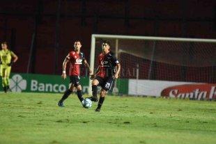 Colón juega este domingo de noche y el otro a la siesta - Siempre clarito para jugar. Rodrigo Aliendro, un jugador que sin dudas levantó muchísimo su nivel de la mano de Eduardo Domínguez en Colón.