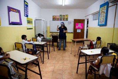 El Ministerio Público Fiscal porteño dictaminó a favor de que haya clases presenciales este lunes en CABA