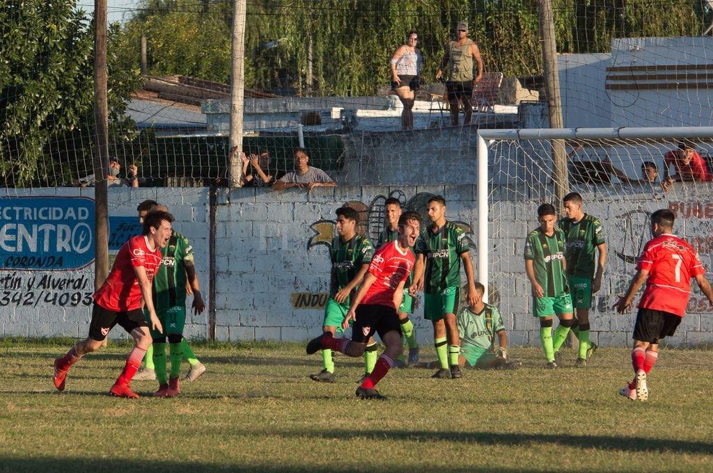 Belgrano celebró un triunfo agónico que le permite seguir en lo más alto de la tabla de la